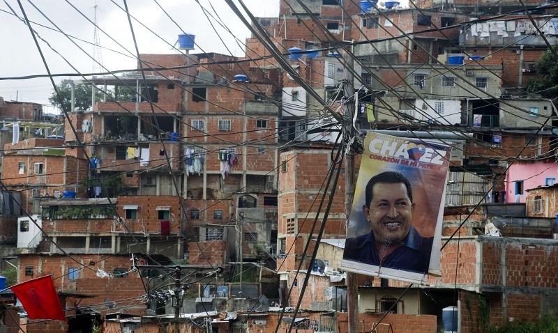TOPSHOTS-VENEZUELA-POLITICS-CHAVEZ-HEALTH